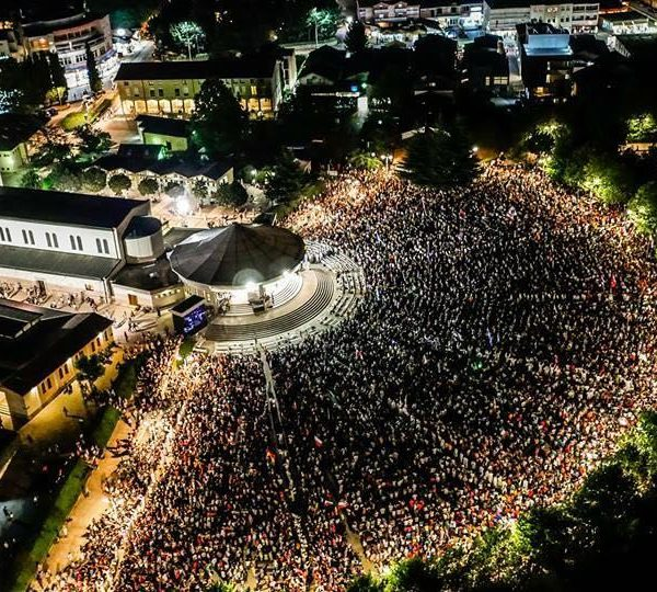 Die Geschichte des Jugendfestivals in Medjugorje