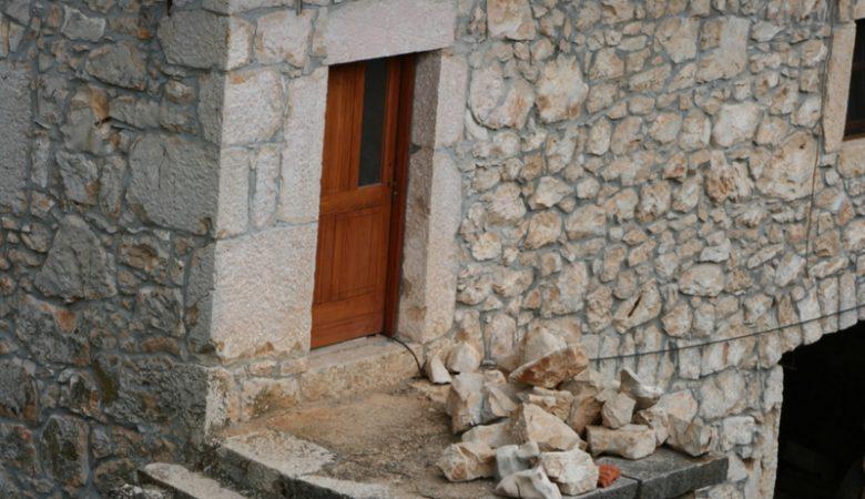"""""""Ich bin die Tür; wer durch mich hineingeht, wird gerettet werden"""""""
