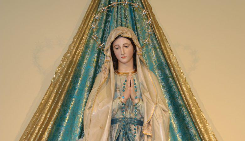 """""""Aufgenommen in den Himmel ist die Jungfrau Maria. Die Engel freuen sich und preisen den Herrn."""""""