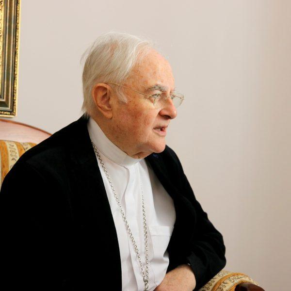 Interview mit Erzbischof Hoser zum 40. Jahrestag