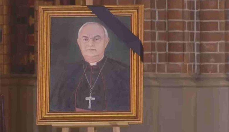 Requiem für Erzbischof Henryk Hoser